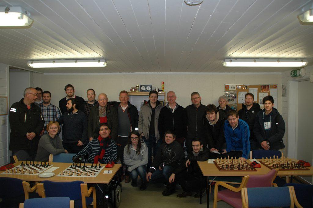 De fleste spillerne fra Modum og Konnerud samlet etter kampen